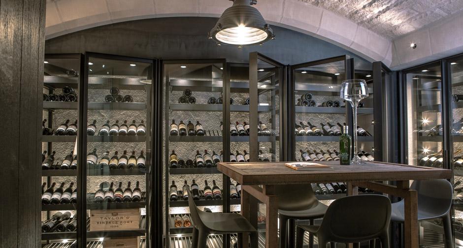 degr 12 une nouvelle vision de la cave vin. Black Bedroom Furniture Sets. Home Design Ideas