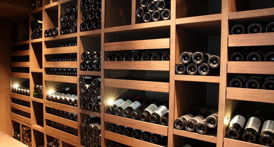 Custom wine cellar - Natural wenge